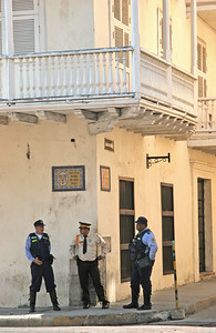 On the Streets of Cartagena - 5, Policmen
