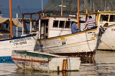 Morning at the harbor 2 (Taganga)