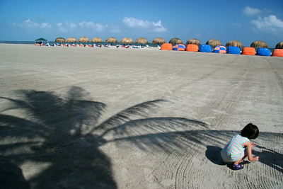 Playing in the Beach (Cartagena)