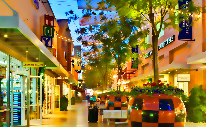 Desert Ridge Night Shopping
