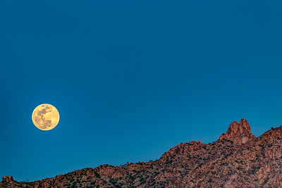 Full Moon over Pinnacle Peak