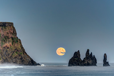 Harvest Moon at Vik