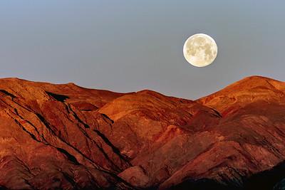 Moonset at Zabrinskie Point
