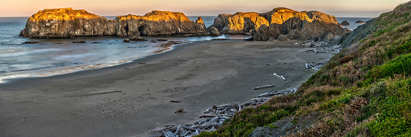 Sunrise at Coquille Point