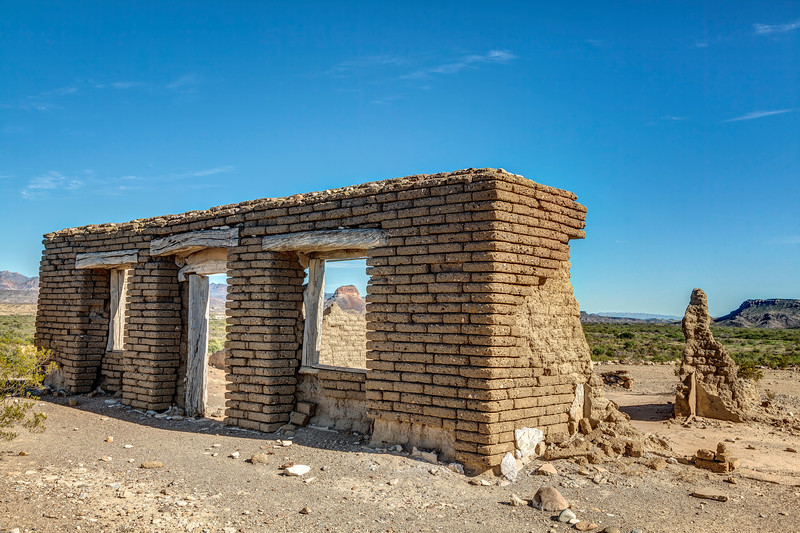Abandoned Building in Big Bend