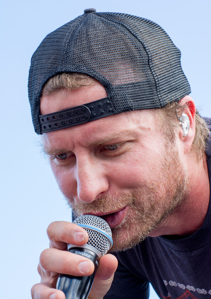Dierks Bentley Concert Photography