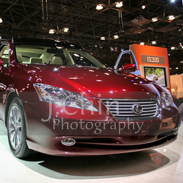 2006 New York Auto Show - Lexus