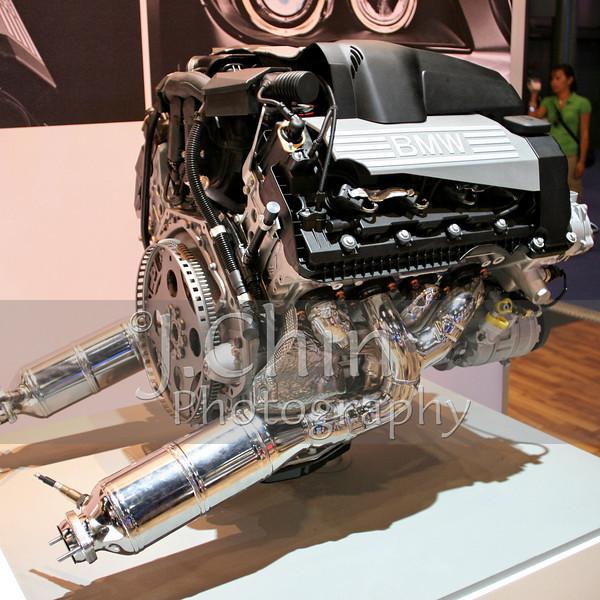 2006 New York Auto Show - BMW engine