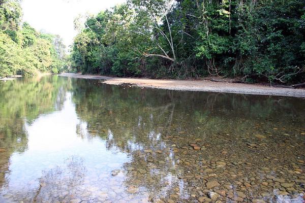 Rock road across the Rio Bongo (during non rainy season) - Nicoya Peninsula (south-west) - Guanacaste province