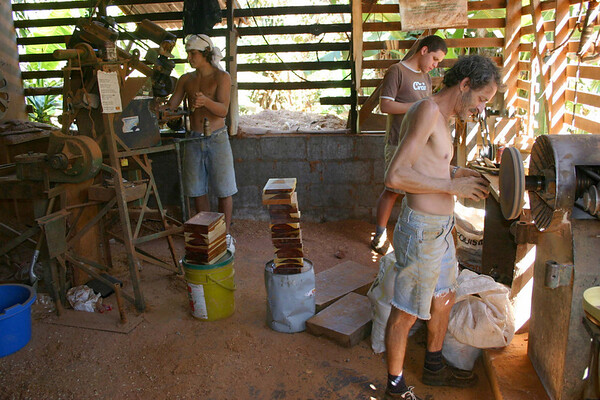 Wood-working shop in Sarchi (city)