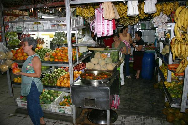 Indoor mercado in Grecia (city) - Alajuela province (south-central)