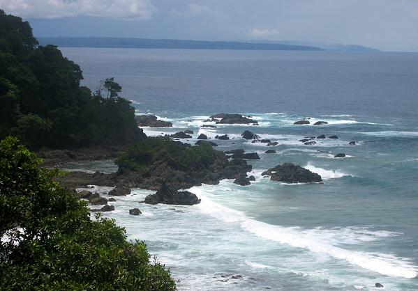 Rocky outcrop shoreline along the La Leona Trail - Corcovado National Park - Osa Peninsula - Puntarenas province