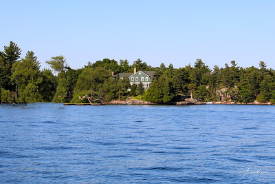 Sunnyside Island 0404 LOGO