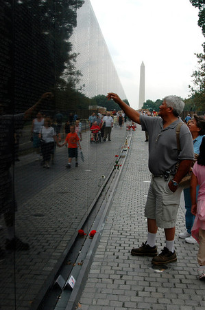 040918 0206 Washington DC - Vietnam Veteran Memorial Wall 3 _D _E _N ~E ~P