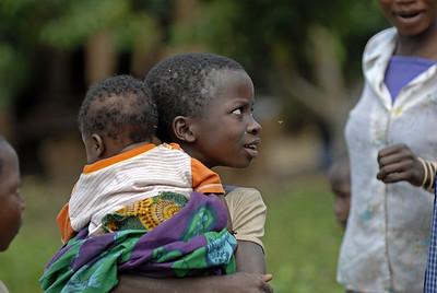 070103 3273 Burundi - Bujumbura - Trip to Antoines Village _E _L ~E ~L