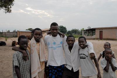070104 3350 Burundi - Bujumbura - Peace Village _L ~E ~L