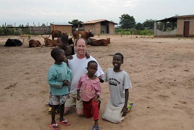 070104 3348 Burundi - Bujumbura - Peace Village _L ~E ~L