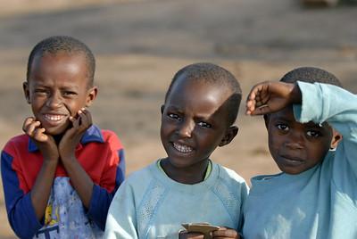 070103 3127 Burundi - Bujumbura - Peace Village Elvis Luisa Evelyn _B _L ~E ~L