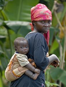 070103 3266-B Burundi - Bujumbura - Trip to Antoines Village _E _L ~E ~L