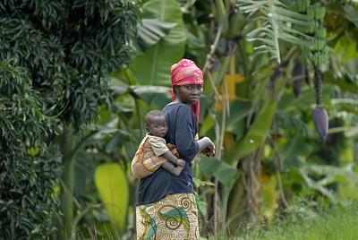 070103 3266 Burundi - Bujumbura - Trip to Antoines Village _E _L ~E ~L
