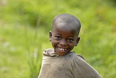 070103 3261 Burundi - Bujumbura - Trip to Antoines Village _E _L ~E ~L