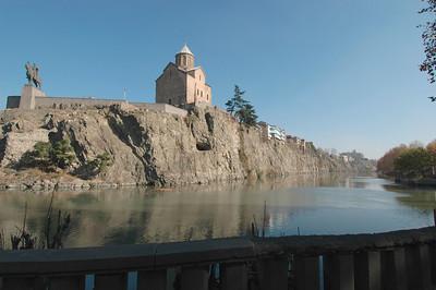 041119 1268 Georgia - Tbilisi - Church over river _C _E _H _N ~E ~L