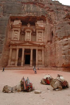 060104 0811 Jordan - Petra - Yulia and David _E _F _N ~E ~L