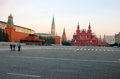 040819 0123 Moscow - Early Morning Red Square _H ~E ~L