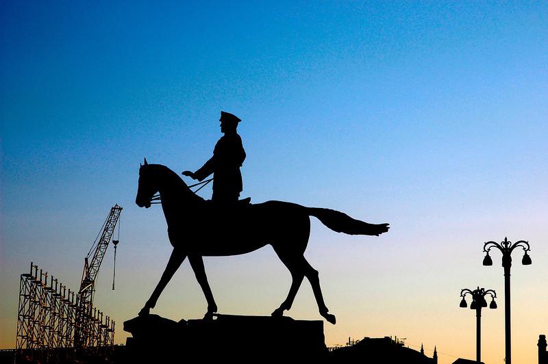 040819 0156 Moscow - Early Morning Lenin Siloett _H _J ~E ~L