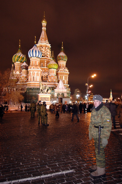 041231 2219 Russia - Moscow - New Years Eve - Red Square St  Basil Young Soldier _P ~E ~P