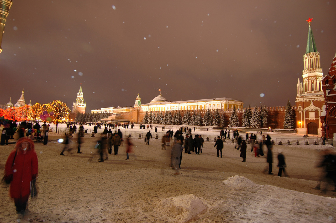 041231 2128 Russia - Moscow - New Years Eve - Pre-Celebration Red Square _P ~E ~L