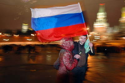 041231 2311 Russia - Moscow - New Years Eve - Young Russia Celebrates with pride honour and love B _P ~E ~L