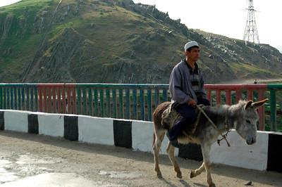 050427 3634 Uzbekistan - Samarkand - Road Trip to Tashkent _D _E _I ~E ~L