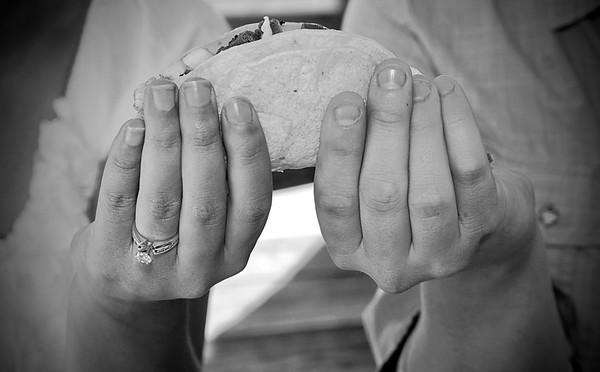 taco in hands (2)