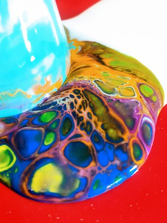 Acrylic paint pour 🎨 from a shot glass