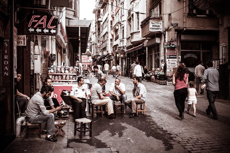 Cay break, Istanbul (Turkey)