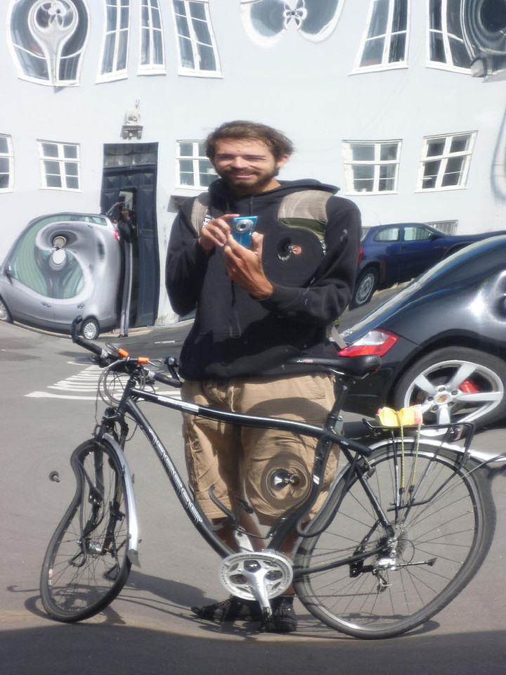 In total Lukas cycled some 7,000km across 11 countries - the distance from Salzburg to the capitol of Mongolia, fuelled solely by vegan food.