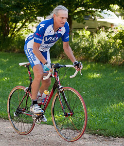 Prof Marc Bekoff has published more than 200 papers and 18 books on animal behaviour and related topics, for which he has received multiple awards. He also managed to win his age class in the Tour de Var (Master's Tour de France), in 1986. He continues to cycle incredible distances whenever he's able to fit them around his hectic international speaking schedule.