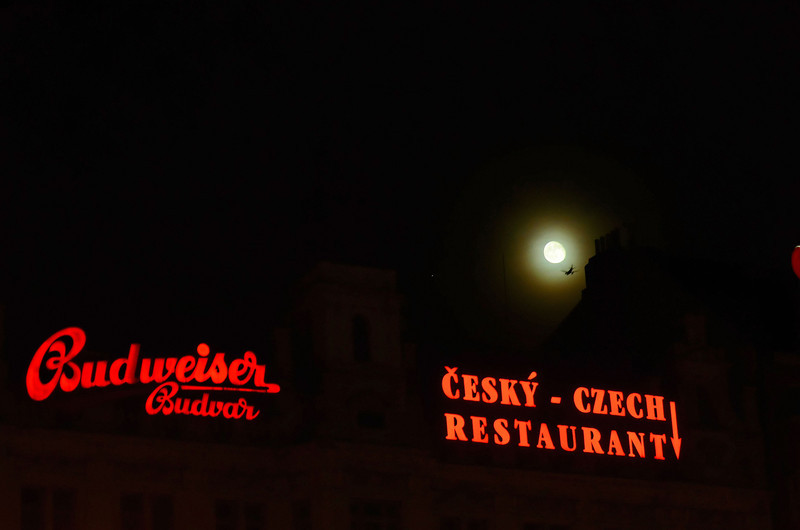 Moon night at Prague, Wenzelsplatz