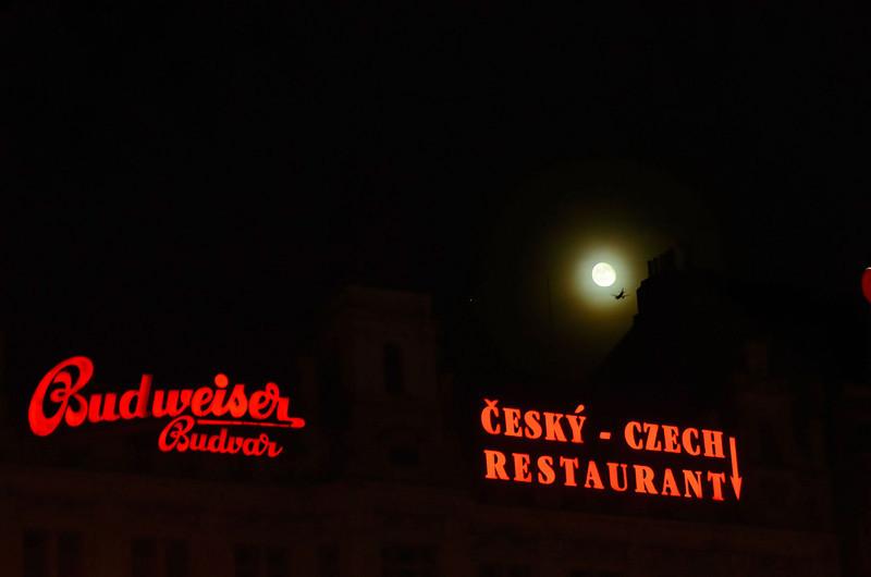 Moon night at Prague, Wenzelsplatz