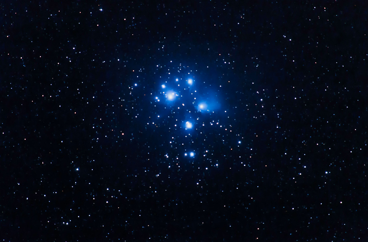 M45 Pleiades // Young Hot Stars