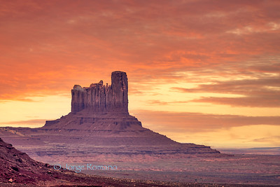 Sunrise view of iconic Mitten Butte in Monument Valley, Arizona