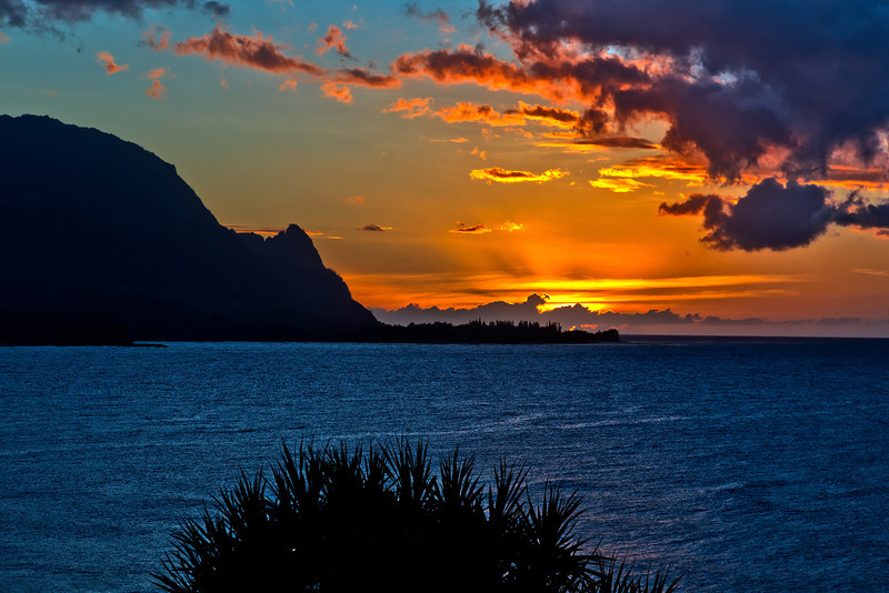 Kauai: Sunset over Hanalei bay - looking at Bali Hai.