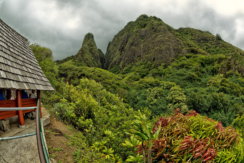 Maui:  'Iao Valley State Monument, 'Iao Needle.
