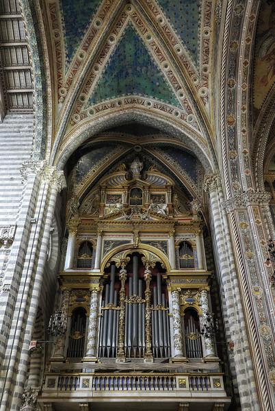 Organ inside Church - Orvieto Italy