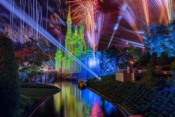 Taken during the filming for Disney's Magical Holiday Speical. Airs tonight on @ABC