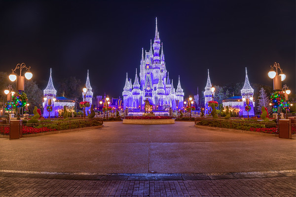 Less then a week to go before Christmas. I will post a bunch of shots this week of the castle lit up for the holidays