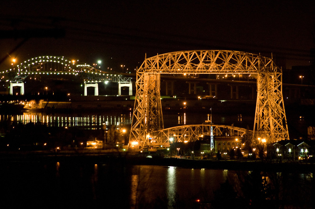 Duluth Lift Bridge by night