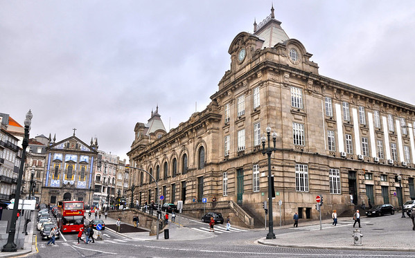 Street view of Sao Bento train station, Porto
