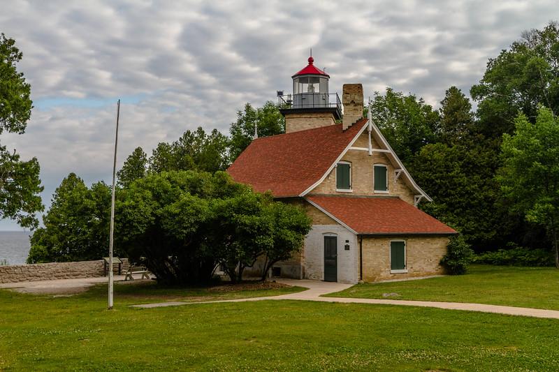 Eagle Bluff Light 255
